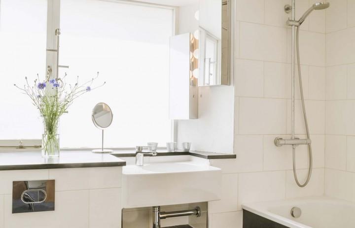 Old Saltings Master Bathroom