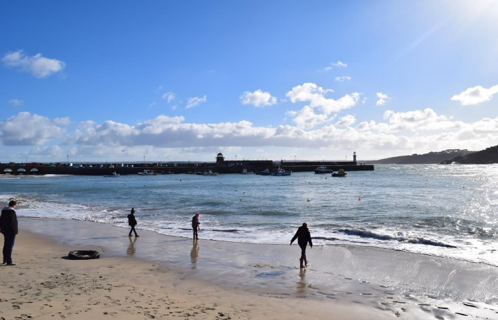 Sunny St Ives Harbour