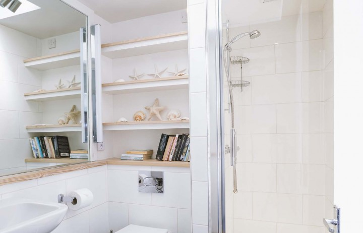 Upper Saltings Ensuite