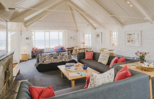 Upper Saltings spacious and light living area overlooking Porthmeor beach.